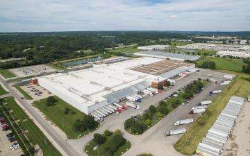 Aerial photo of Lineage's Edwardsville facility