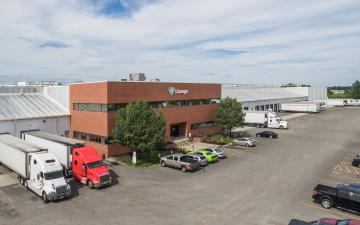 Exterior photo of Lineage's Kansas City facility