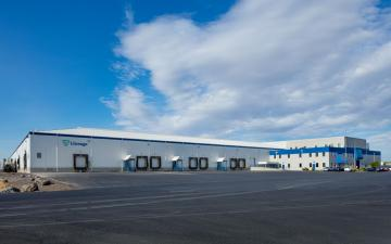 Exterior photo of Lineage's Othello facility