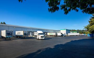 Exterior photo of Lineage's Algona facility yard