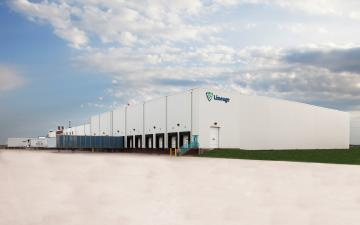 Exterior photo of Lineage's Dodge City facility