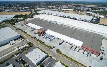 Aerial photo of Lineage's Manteca facility