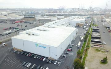 Aerial photo of Lineage's Long Beach facility