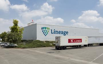Exterior photo of Lineage's Riverside 1 facility