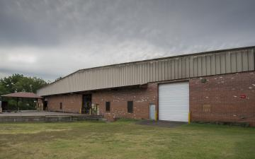 Exterior photo of Lineage's Richmond - Repair facility