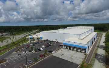 Aerial photo of Lineage's Charleston facility