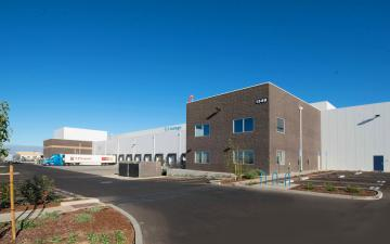 Exterior photo of Lineage's Santa Maria facility