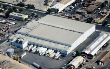 Aerial photo of Lineage's Vernon - Bandini facility
