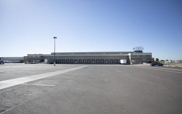 Exterior photo of Lineage's leased facility in Phoenix, AZ