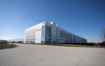 Exterior photo of Lineage's Graaskamp ambient facility