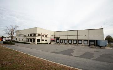 Exterior photo of Lineage's Chesapeake facility