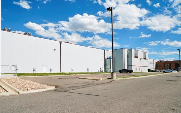Exterior photo of Lineage's Henderson facility