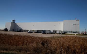 Exterior photo of Lineage's Wilmington - Design facility