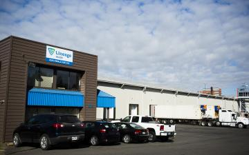 Exterior photo of Lineage's Salem facility