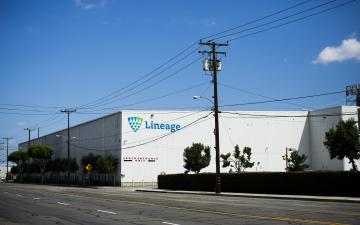 Exterior photo of Lineage's Vernon - Bandini facility