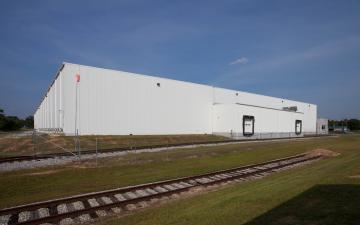 Photo of rail lines connecting to Lineage's Macon facility