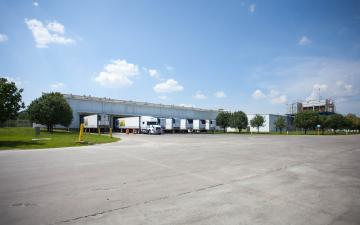 Exterior photo of Lineage's Unadilla, GA facility