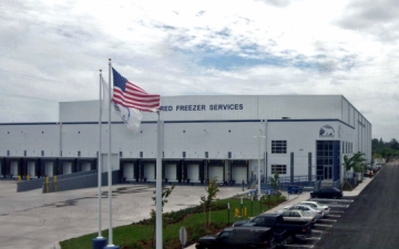 Exterior photo of Lineage's Miami (Hialeah Gardens) facility