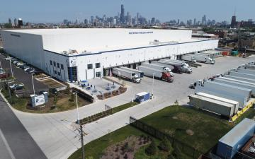 Aerial photo of Lineage's Chicago - South Wood facility