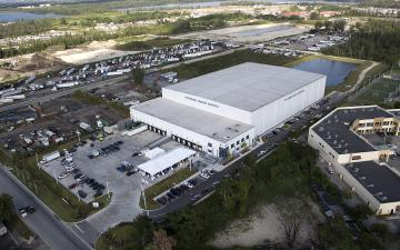 Aerial photo of Lineage's Miami (Hialeah Gardens) facility