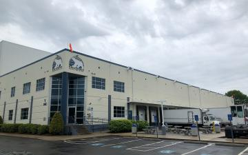Exterior photo of Lineage's Boston (Sharon) facility