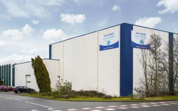Exterior photo of Lineage's Venlo facility in the Netherlands