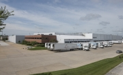 Exterior photo of Lineage's Chicago - Batavia facility