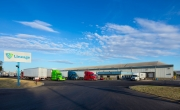 Exterior photo of Lineage's Kennewick facility