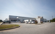 Exterior photo of Lineage's Macon facility